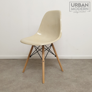 Eames Side Chair DSW