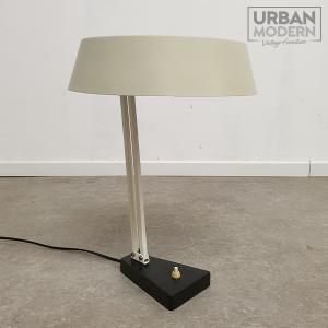 busquet bureaulamp no 135