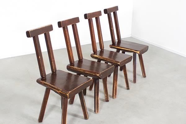 Brutalist stoelen Mobichalet Belgie